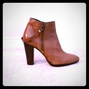 Stuart Weizmann Leather Ankle Booties